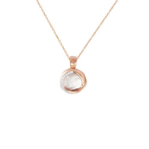 Pendente in oro rosa con diamanti bianchi e cristallo di rocca Collezione Colors Oro 18 carati Diamanti bianchi: carati 0,04 - qualità G/VS Cristallo di rocca: carati 2,80 Lunghezza catena: 45 cm
